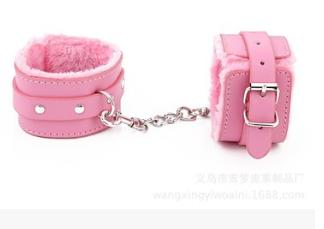情趣用品 粉色毛绒手铐 成人用品 另类玩具 厂家直销 热卖品